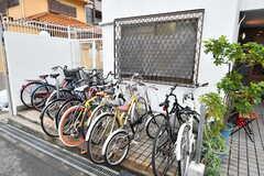 自転車置場の様子。(2011-05-28,共用部,GARAGE,1F)