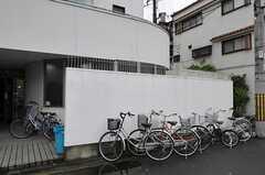 自転車置場の様子2。(2011-05-28,共用部,GARAGE,1F)