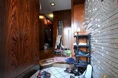 正面玄関から見た内部の様子。(2010-11-26,周辺環境,ENTRANCE,1F)