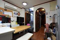 反対側から見たリビングの様子。(2010-11-26,共用部,LIVINGROOM,1F)