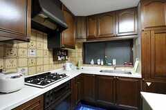 シェアハウスのキッチンの様子。(2010-11-26,共用部,KITCHEN,1F)