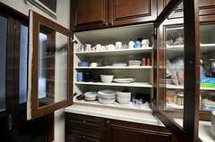 食器棚の様子。(2010-11-26,共用部,KITCHEN,1F)