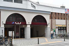 JR環状線・桃谷駅の様子。(2017-06-06,共用部,ENVIRONMENT,1F)