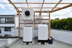 洗濯機と乾燥機の様子。(2019-05-15,共用部,LAUNDRY,3F)