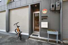 玄関ドアの様子。(2020-07-01,周辺環境,ENTRANCE,1F)
