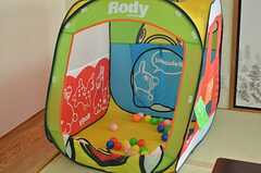 子供たちの遊び道具も備わっています。(2013-08-23,共用部,LIVINGROOM,7F)
