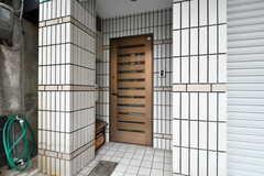 シェアハウスの玄関。(2017-05-10,周辺環境,ENTRANCE,1F)