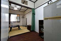 専有部の様子2。奥に4畳半の和室があります。(311号室)(2017-08-30,専有部,ROOM,3F)