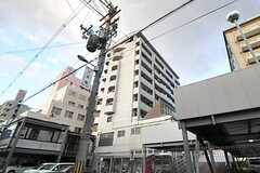 マンションの外観。最上階の1フロアがシェアハウスです。(2012-09-11,共用部,OUTLOOK,1F)