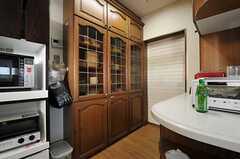 食器棚の様子。(2012-09-11,共用部,KITCHEN,10F)