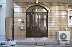 シェアハウスの正面玄関。(2014-01-29,周辺環境,ENTRANCE,1F)