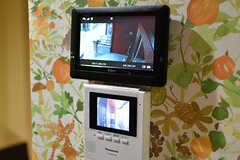 防犯カメラとインターホンのモニター。(2017-08-29,共用部,OTHER,1F)