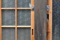 玄関の鍵の様子。(2012-03-24,周辺環境,ENTRANCE,1F)