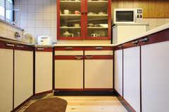 キッチン下の収納はたっぷりめ。(2012-03-24,共用部,KITCHEN,1F)