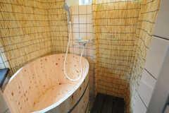 バスルームの様子。ひのき風呂!(2012-03-24,共用部,BATH,1F)