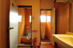 トイレがふたつ並んでいます。(2014-03-06,共用部,TOILET,2F)