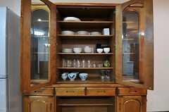 食器棚の様子。(2013-09-19,共用部,LIVINGROOM,2F)