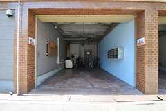 自転車置場の様子。(2013-09-19,共用部,GARAGE,1F)