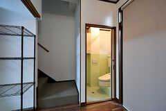 階段とトイレの様子。(2017-02-07,共用部,OTHER,1F)