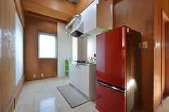 キッチンスペースの様子。3階と4階にそれぞれ設けられています。(2015-11-16,共用部,KITCHEN,3F)