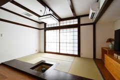 リビングの様子4。畳のスペースがあります。(2018-02-14,共用部,LIVINGROOM,1F)