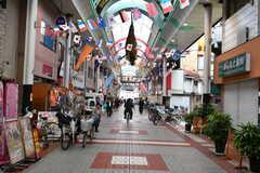 千鳥橋駅前の商店街の様子。(2018-04-11,共用部,ENVIRONMENT,1F)