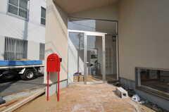 フリースペースに直接入ることができる玄関の様子。(2013-10-28,共用部,OTHER,1F)