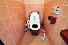ウォシュレット付きトイレの様子。(2010-11-26,共用部,TOILET,7F)