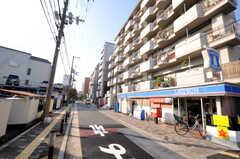 JR各線・新大阪駅からシェアハウスへ向かう道の様子。(2010-11-26,共用部,ENVIRONMENT,1F)