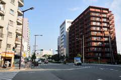 JR各線・新大阪駅からシェアハウスへ向かう道の様子2。(2010-11-26,共用部,ENVIRONMENT,1F)