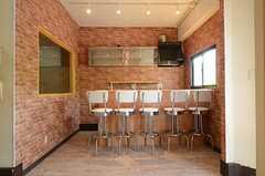 テナントスペースの様子3。カウンターテーブルがあります。(2013-04-09,共用部,OTHER,1F)