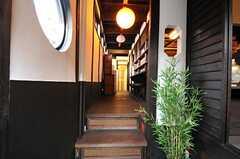 正面玄関から見た内部の様子。(2012-07-15,周辺環境,ENTRANCE,1F)