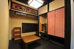 居間の様子。※店舗として貸し出す予定ですが、入居者さんも使えます。(2012-07-15,共用部,LIVINGROOM,1F)