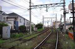 近くには風情のある路面電車が走っています。(2012-07-15,共用部,ENVIRONMENT,1F)