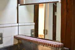 洗面台の鏡。(2018-07-17,共用部,WASHSTAND,1F)