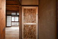 専有部のドア。造作です。(201号室)(2018-07-17,専有部,ROOM,2F)