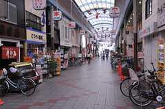 JR線・塚本駅前の商店街。(2012-07-15,共用部,ENVIRONMENT,1F)