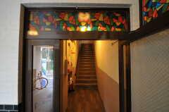 廊下と階段の様子。(2013-07-18,共用部,OTHER,1F)