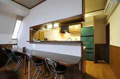 カウンター・テーブル周辺の様子。(2012-11-26,共用部,LIVINGROOM,4F)