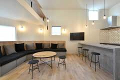 リビングの様子3。家具はすべてオーダーメイド。(2018-02-13,共用部,LIVINGROOM,1F)