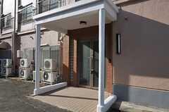 シェアハウスの正面玄関。(2011-12-20,周辺環境,ENTRANCE,1F)