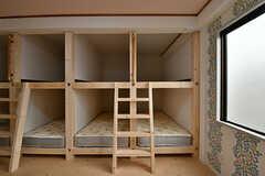 階段は2ベッドでひとつ使えます。(301号室)(2017-03-06,専有部,ROOM,3F)