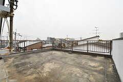 屋上の様子。ウッドデッキになる予定です。(2017-03-06,共用部,OTHER,4F)