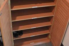 靴箱の様子。ひとり1段使えます。(2016-11-15,周辺環境,ENTRANCE,2F)