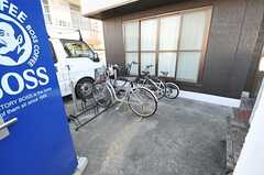 自転車置き場の様子。(2011-04-10,共用部,GARAGE,1F)