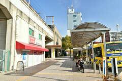 JR東西線・忍ヶ丘駅前の様子。(2017-01-18,共用部,ENVIRONMENT,1F)