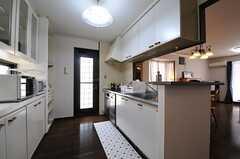 キッチンの様子。(2013-07-18,共用部,KITCHEN,1F)