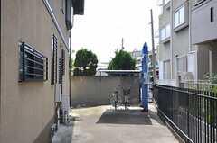 自転車置き場の様子。(2013-07-18,共用部,GARAGE,1F)