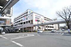 駅直結の複合施設「デュー阪急山田」。(2017-03-07,共用部,ENVIRONMENT,1F)