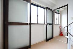 2階は階段を中心に回遊できる間取りです。(2017-04-05,共用部,OTHER,2F)